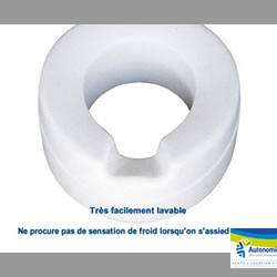 rehausse-toilette en mousse évitant le contact froid